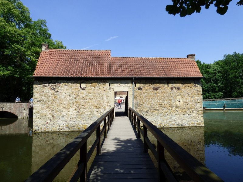 Rundgang um Burg Vischering in Lüdinghausen 29500060ct