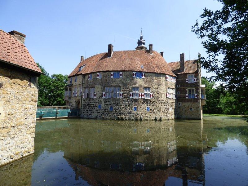 Rundgang um Burg Vischering in Lüdinghausen 29500062tp