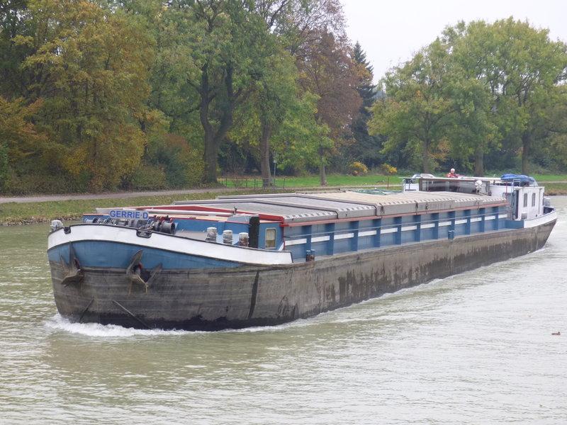 Binnenschiff BARGE / Schreiber 1:100 als RC-Modell - Seite 4 29591705vb