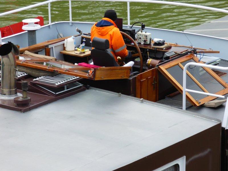 Binnenschiff BARGE / Schreiber 1:100 als RC-Modell - Seite 4 29592238tu
