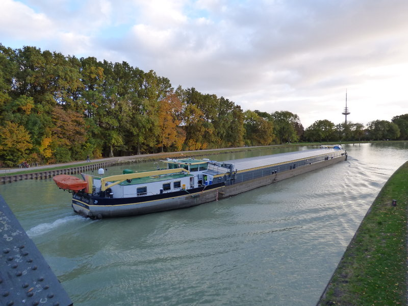 Binnenschiff BARGE / Schreiber 1:100 als RC-Modell - Seite 6 29689548lv