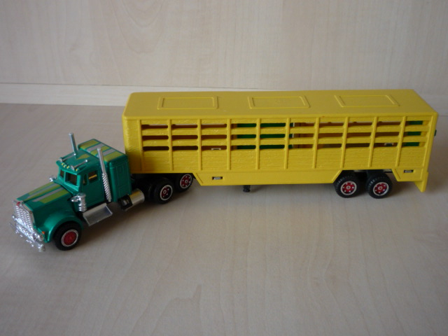 N°614 Kenworth + Semi Transport d'animaux   3020716