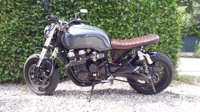 CB 750, RC42 Brat Style Bike