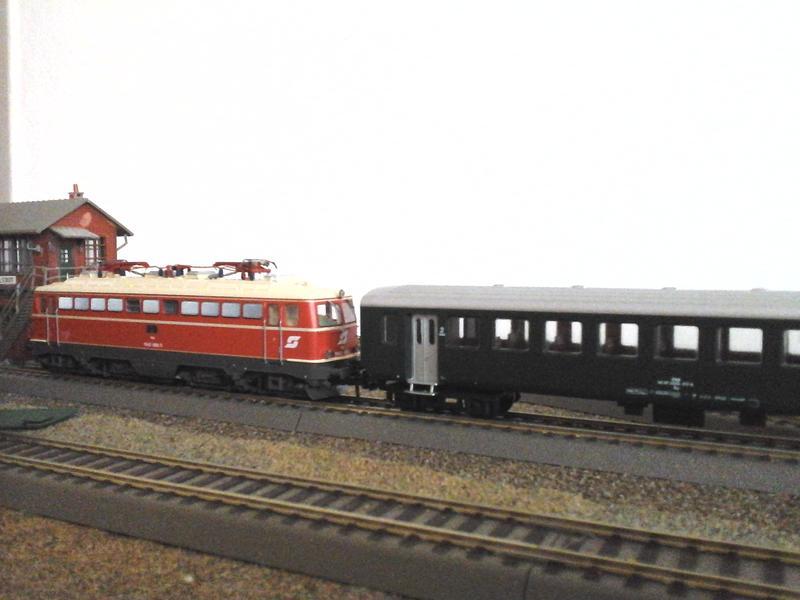Züge der ÖBB so zwischen etwa 1970 und 1980 30853681kx