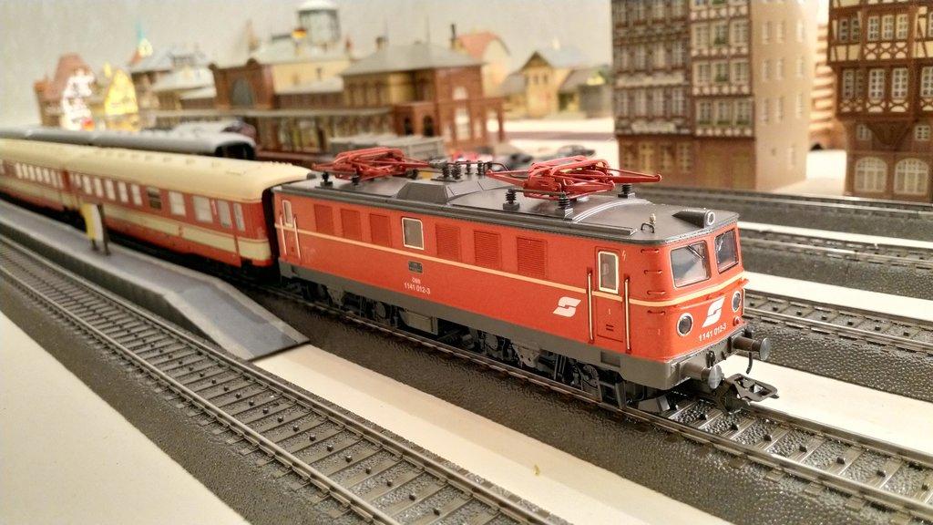 Internationale Schnellzüge in Heinhausen 31265245uq