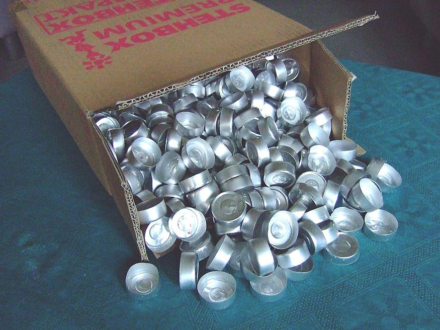 500 teelichth llen h llen f r teelichter aluminium 38x15mm zum kerzen gie en ebay. Black Bedroom Furniture Sets. Home Design Ideas