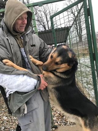 Ubul, Karmacs lebt glücklich in Deutschland 31681298bp