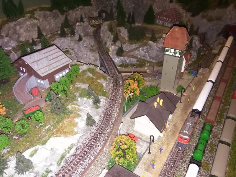 Modellbahn von DeAgostini - Seite 3 32167654rx