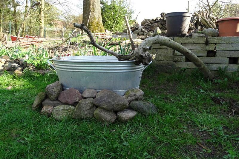 Mini-Wasserstellen im Garten - Hortus-Netzwerk.info