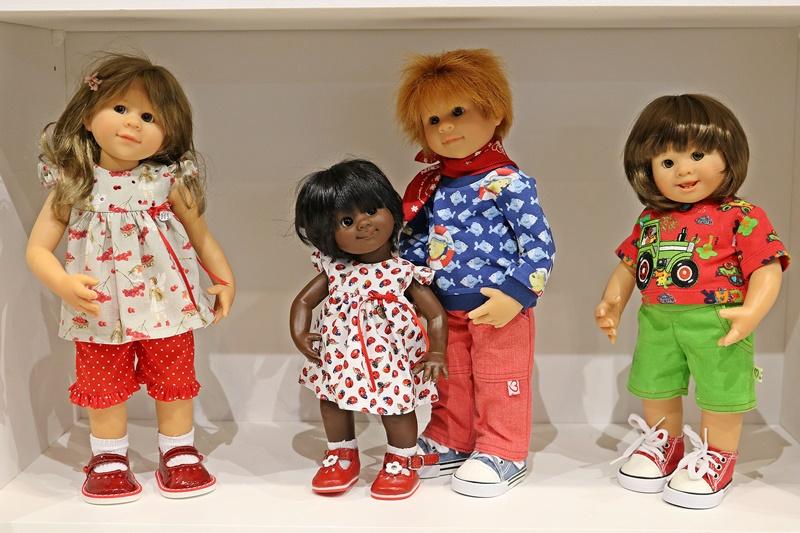 Photos de Wichtel de l'exposition Puppen à Münster / Allemagne 32598903zy