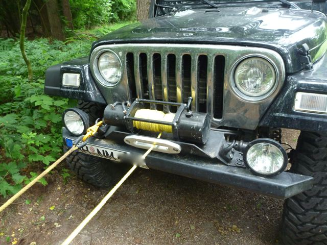 winch plate and tow hooks jeep wrangler forum i need a new winch plate and new front tow hooks they were installed on the side of the plate and because of that the plate bent and is very weak now