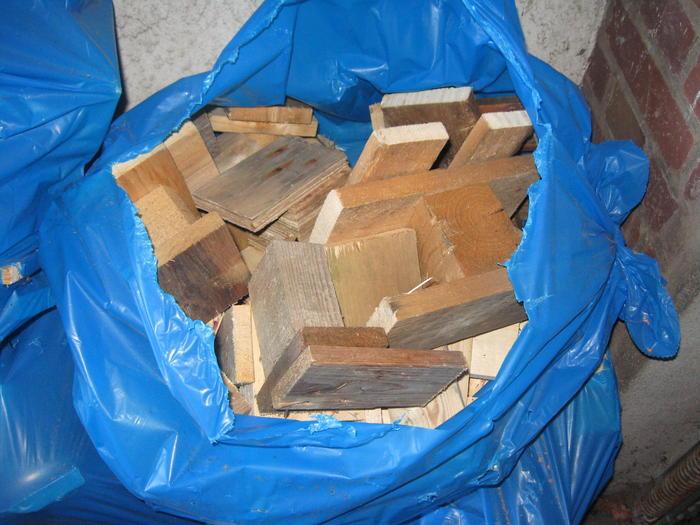 brennholz zu verschenken. Black Bedroom Furniture Sets. Home Design Ideas