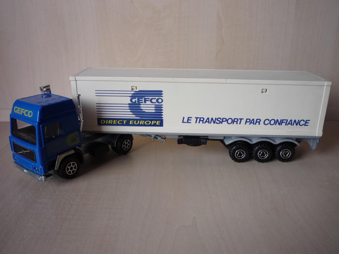 N°3055 Volvo Porte Container. 5470537
