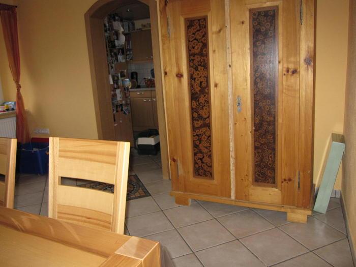 ich will einen schrank zum n hplatz umbauen und suche tipps hobbyschneiderin 24 forum. Black Bedroom Furniture Sets. Home Design Ideas