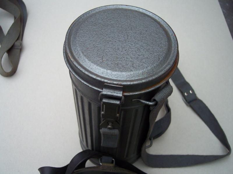 dr ger abc schutzmaske im blechbeh lter wer hat die alles benutzt ausr stung. Black Bedroom Furniture Sets. Home Design Ideas