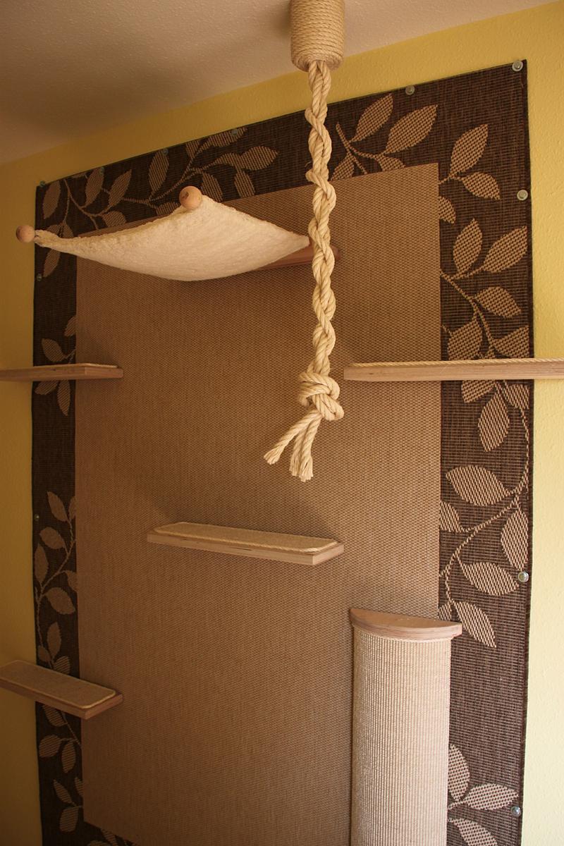 unsere selbstbau kratzwand ist fertig katzen forum. Black Bedroom Furniture Sets. Home Design Ideas