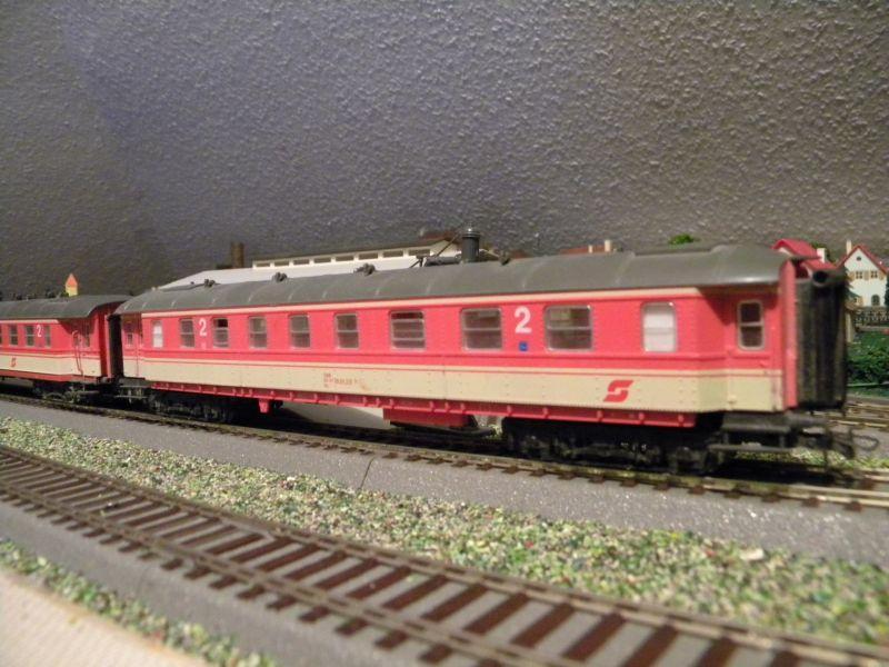 SLB-Züge und anderer Umleitungsverkehr auf der Fahrt durch Hellau 6997526mzr