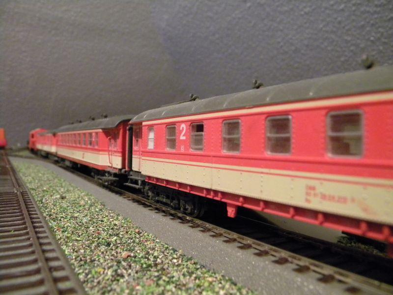 SLB-Züge und anderer Umleitungsverkehr auf der Fahrt durch Hellau 6997529gxx
