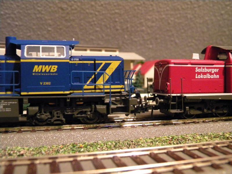 SLB-Züge und anderer Umleitungsverkehr auf der Fahrt durch Hellau 6997778web