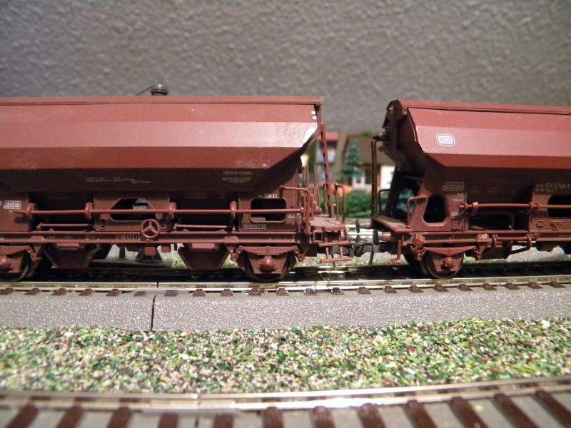 SLB-Züge und anderer Umleitungsverkehr auf der Fahrt durch Hellau 6997780ifd
