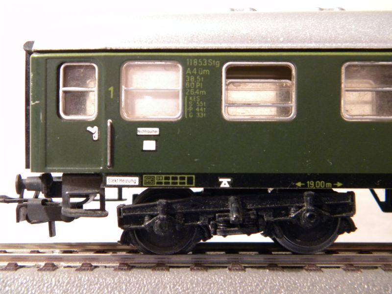 1. Klasse Wagen/grün und blau: DB 7385585uua