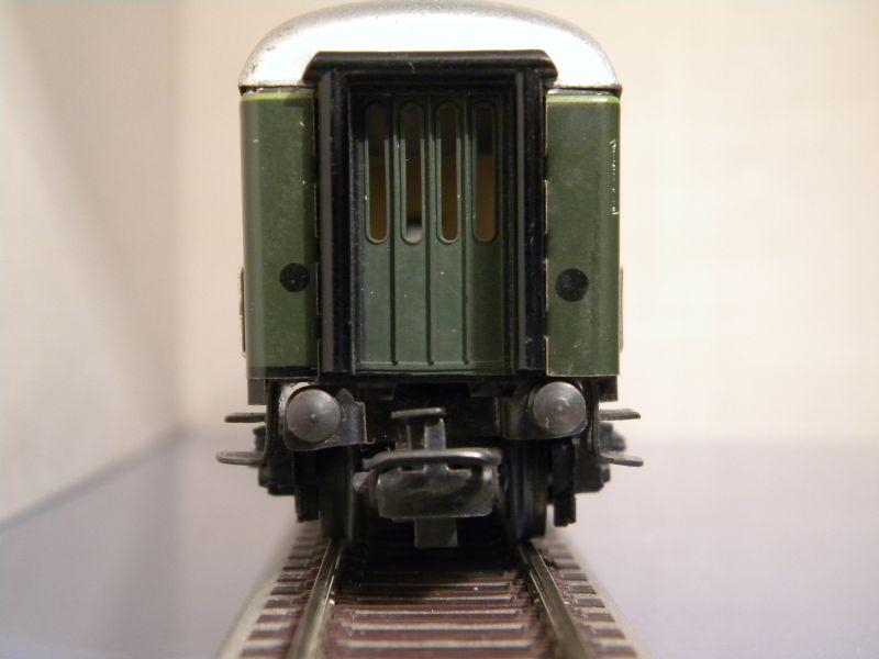 1. Klasse Wagen/grün und blau: DB 7385587pus