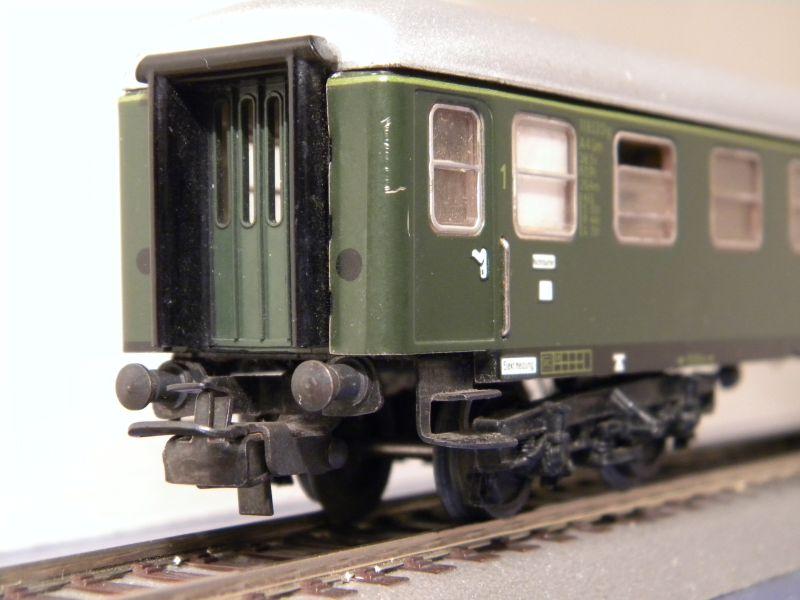 1. Klasse Wagen/grün und blau: DB 7385588prf