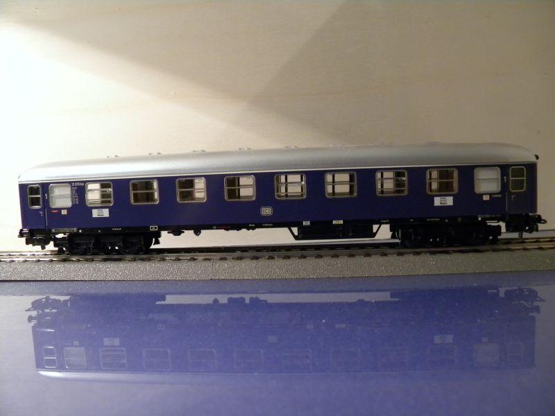 1. Klasse Wagen/grün und blau: DB 7385589mad