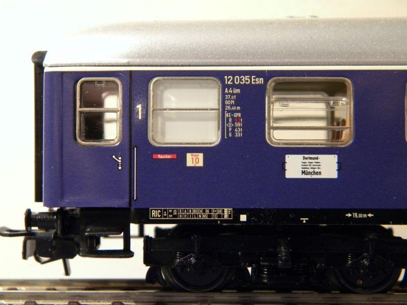 1. Klasse Wagen/grün und blau: DB 7385590lpq
