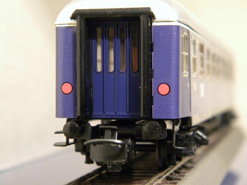 1. Klasse Wagen/grün und blau: DB 7385593fnc