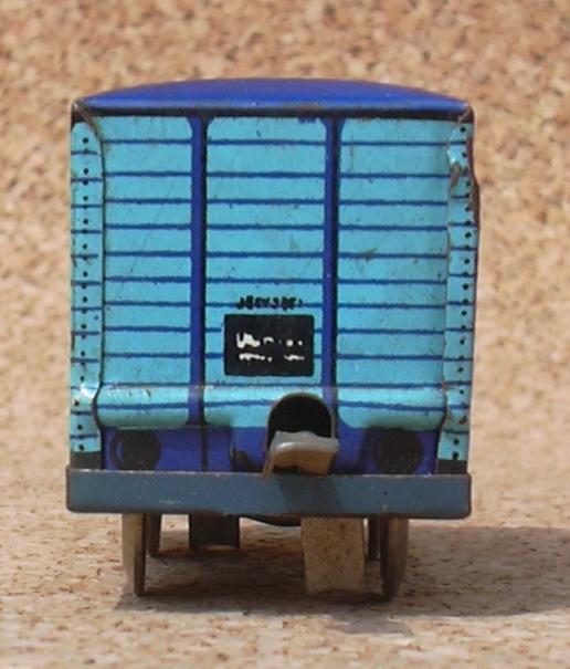 Kleiner blauer Güterwagen MAV  7393184jsl