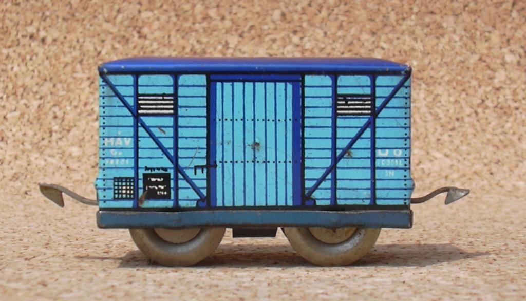 Kleiner blauer Güterwagen MAV  7393185xkx