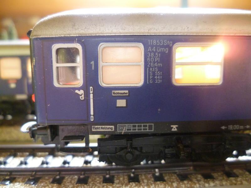 1. Klasse Wagen/grün und blau: DB 7394344ixq
