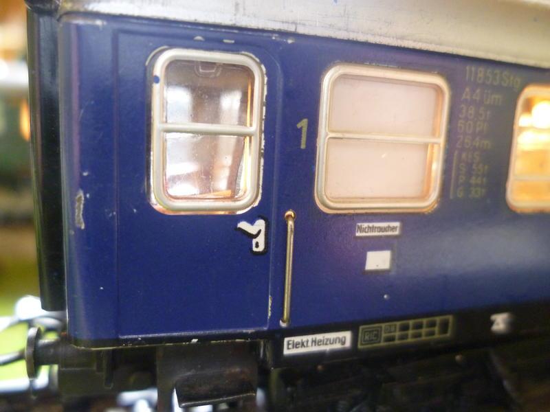 1. Klasse Wagen/grün und blau: DB 7394347qei