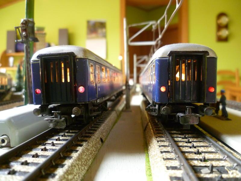 1. Klasse Wagen/grün und blau: DB 7394393lhv