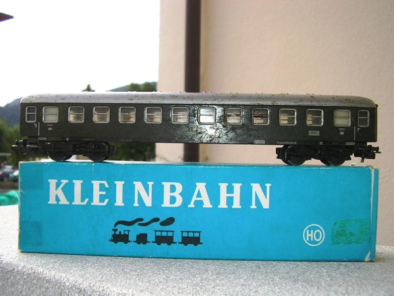 1. Klasse Wagen/grün und blau: DB 7395728zuq