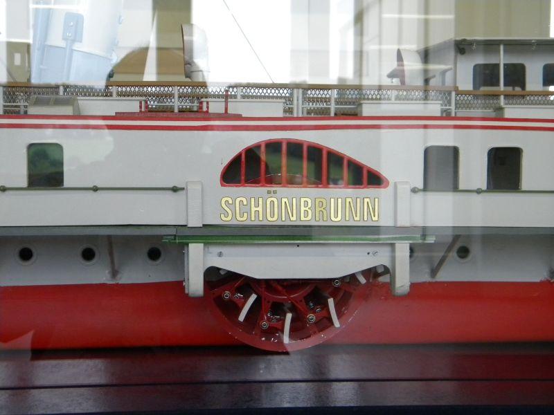 MS Schönbrunn in Spur 1 7420504xzd