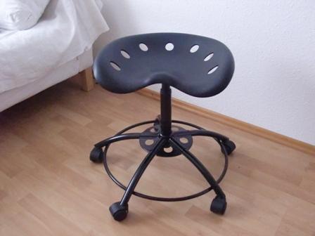 v kleiderst nder kelleregale drehhocker. Black Bedroom Furniture Sets. Home Design Ideas