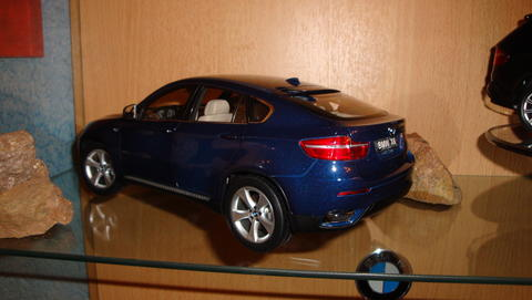 bmw x6 mal ganz neu modelcarforum. Black Bedroom Furniture Sets. Home Design Ideas