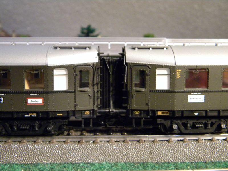 """BR03 mit Stromlinienverkleidung und """"Hechten"""" 7617414inb"""