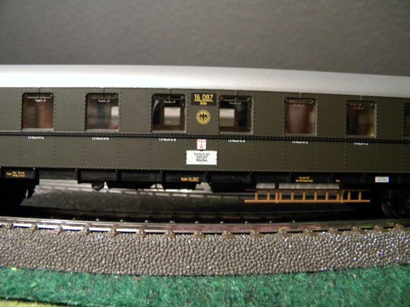 """BR03 mit Stromlinienverkleidung und """"Hechten"""" 7617416jdm"""