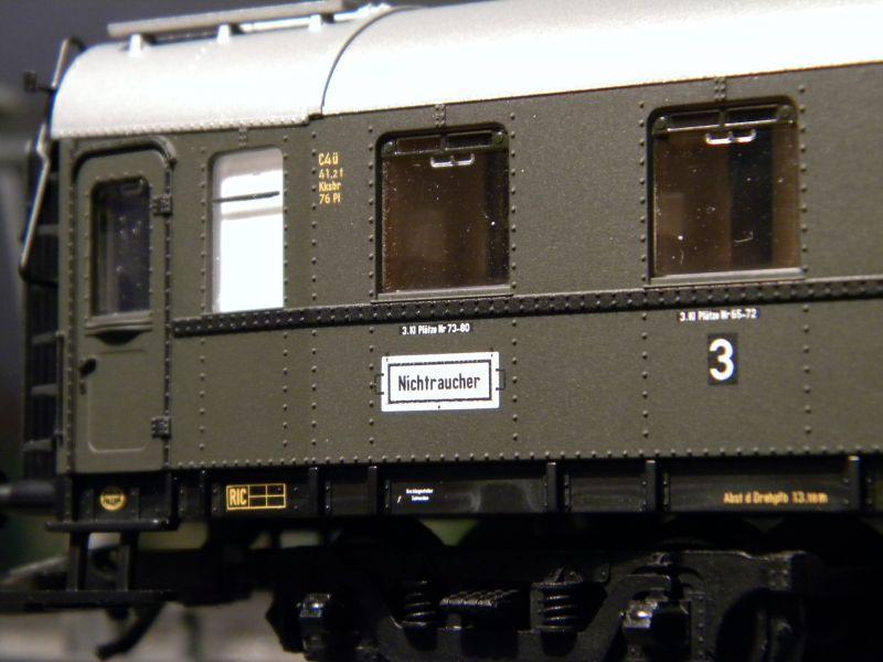 """BR03 mit Stromlinienverkleidung und """"Hechten"""" 7617453emw"""