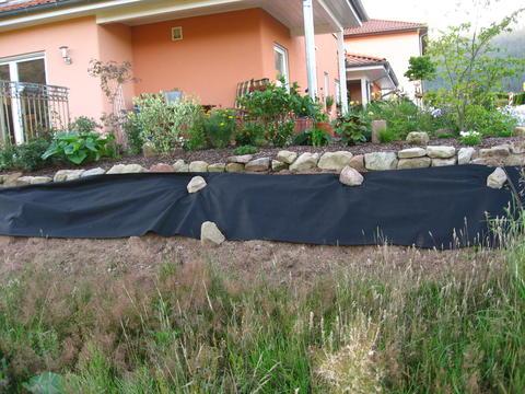 gartengestaltung mit steinen am hang: homeandgarden page, Garten Ideen