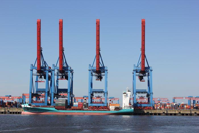 Hamburg und die Eisenbahn 8022783rfx
