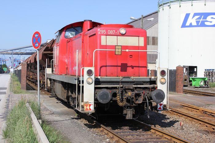 Hamburg und die Eisenbahn 8022787qje