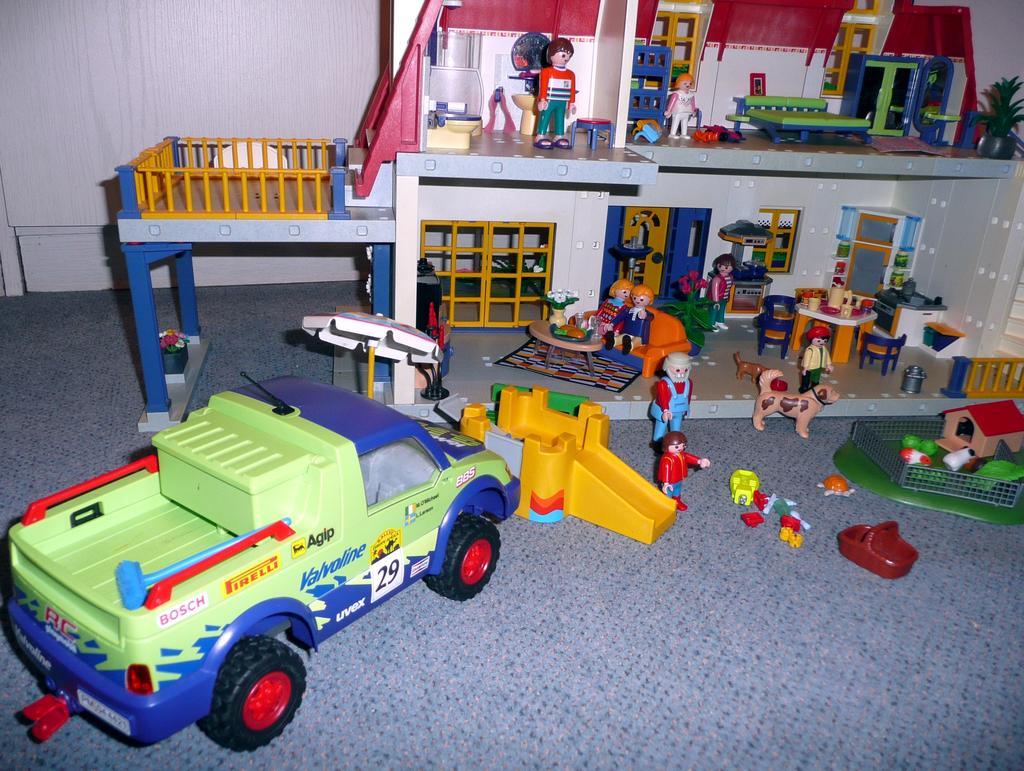 playmobil einfamilienhaus 3965 voll eingerichtet auto. Black Bedroom Furniture Sets. Home Design Ideas