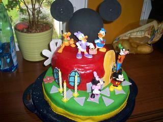 Mein Patenkind Hat Gestern Diesen Mickey Mouse Wunderhaus Kuchen Bekommen,  Die Augen Haben Gestrahlt Von Allen Kids ;)