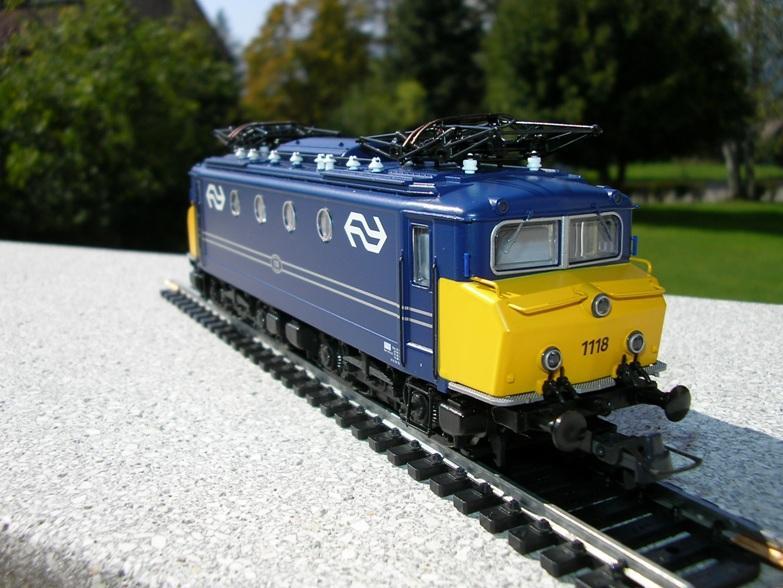 NS Serie 1110 blau / gelb Betriebsnummer 1118 8309931yyn