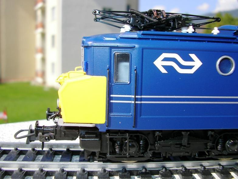 NS Serie 1110 blau / gelb Betriebsnummer 1118 8309937kez