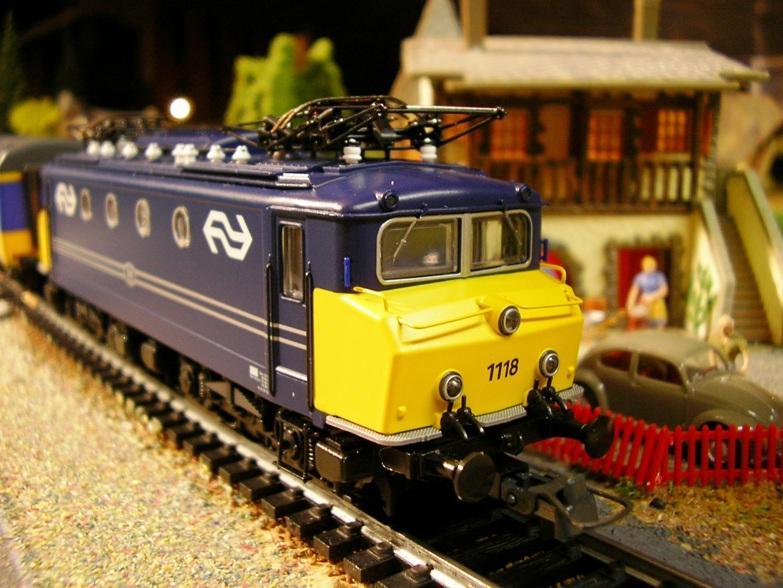 NS Serie 1110 blau / gelb Betriebsnummer 1118 8309962cge